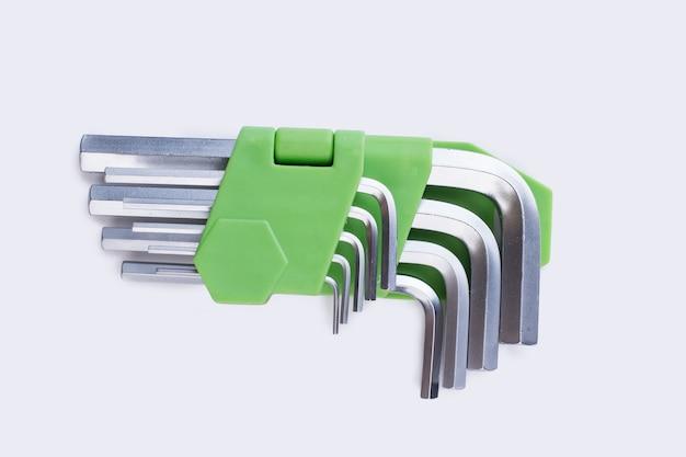 Conjunto de chave allen com chave hexagonal em fundo branco