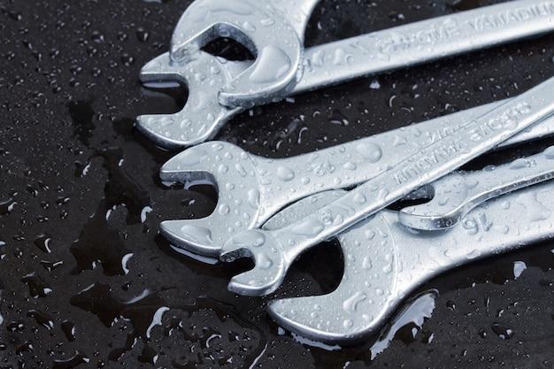 Conjunto de chaves molhadas
