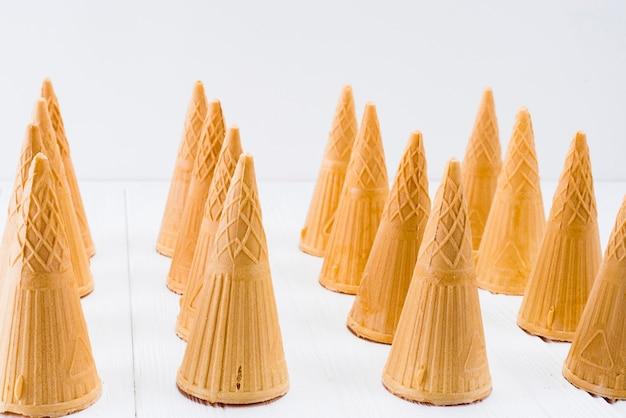 Conjunto de cones de waffle vazio para sorvete