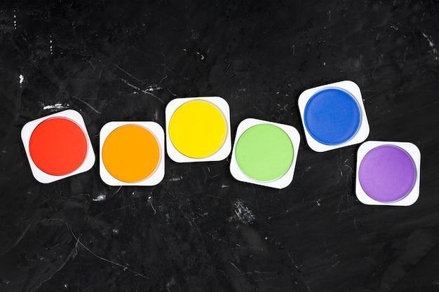 Conjunto de cores brilhantes de pintura lgbt