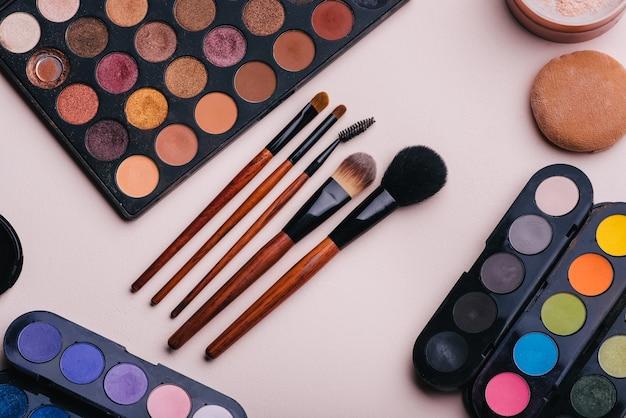 Conjunto de cosméticos femininos para maquiagem