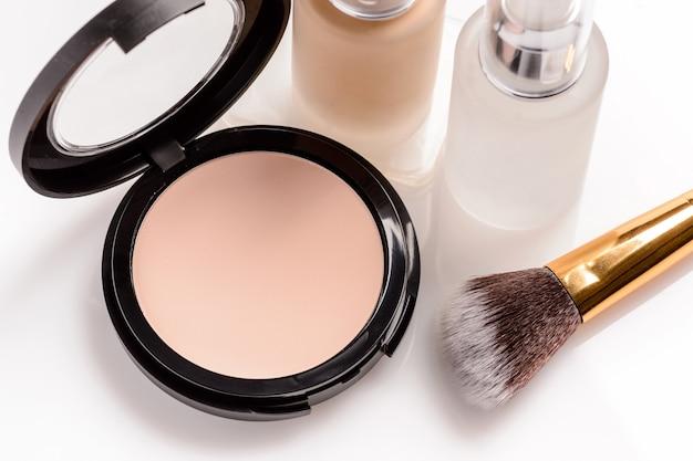 Conjunto de cosméticos para maquiagem