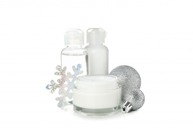 Conjunto de cosméticos, pote de creme de inverno para pele isolado no branco