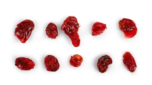 Conjunto de cranberries secas em um fundo branco