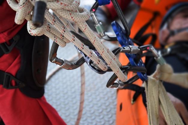 Conjunto de equipamento de escalada