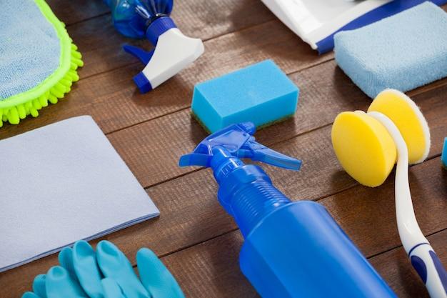 Conjunto de equipamentos de limpeza