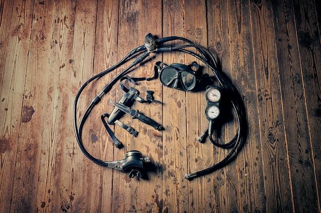Conjunto de equipamentos para mergulho. o conceito de esportes, recreação, viagens.