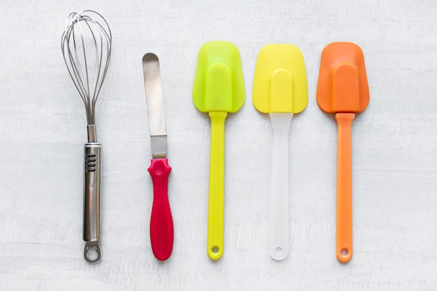 Conjunto de espátulas de silicone multicoloridas, utensílios de cozinha. doces, receitas, culinária