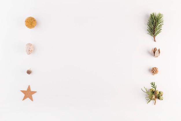 Conjunto de estrelas decorativas e bolotas