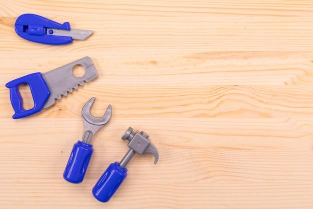 Conjunto de ferramentas do marceneiro em woodenl