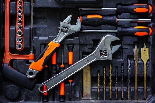 Conjunto de ferramentas mecânico do artesão na indústria.