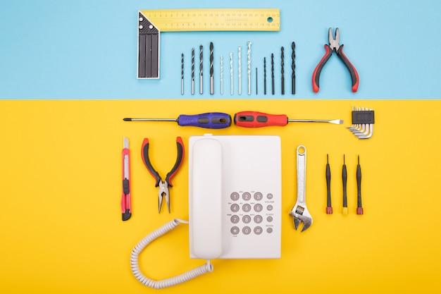 Conjunto de ferramentas para metais com telefone em colorido