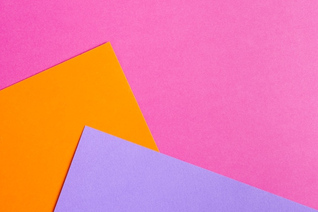 Conjunto de folhas de papel colorido