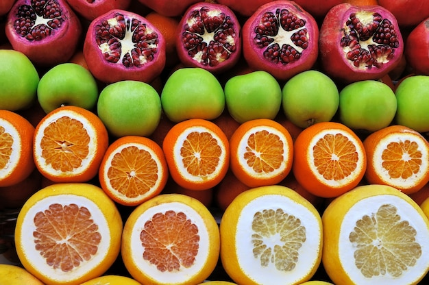 Conjunto de frutas no mercado