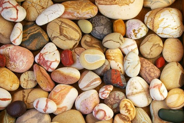 Conjunto de fundo de belas pedras coloridas