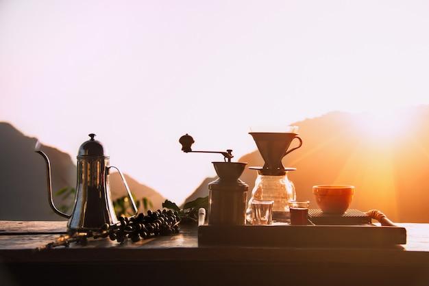 Conjunto de gotejamento de café