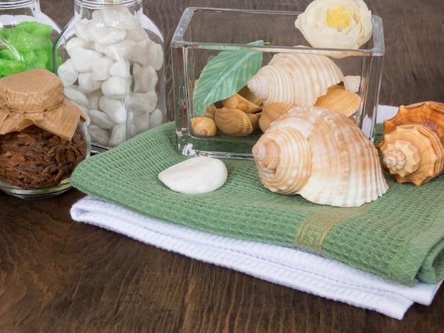 Conjunto de ingredientes e especiarias para aromaterapia e cuidados com o corpo spa natureza morta