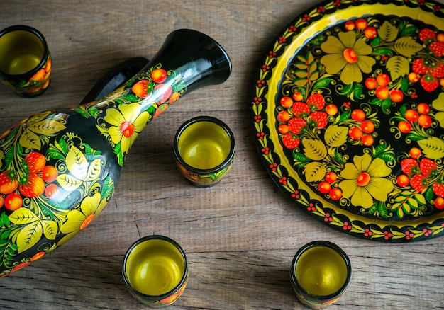 Conjunto de jarra e xícaras - estilo russo