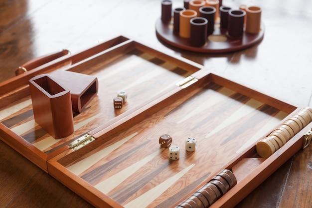 Conjunto de jogo de gamão