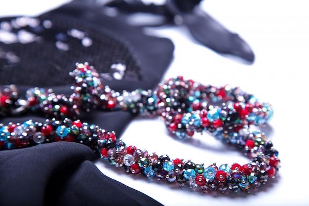 Conjunto de jóias e acessórios