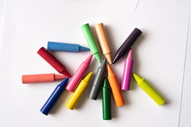 Conjunto de lápis coloridos para crianças