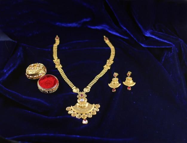 Conjunto de mangalsutra indiano