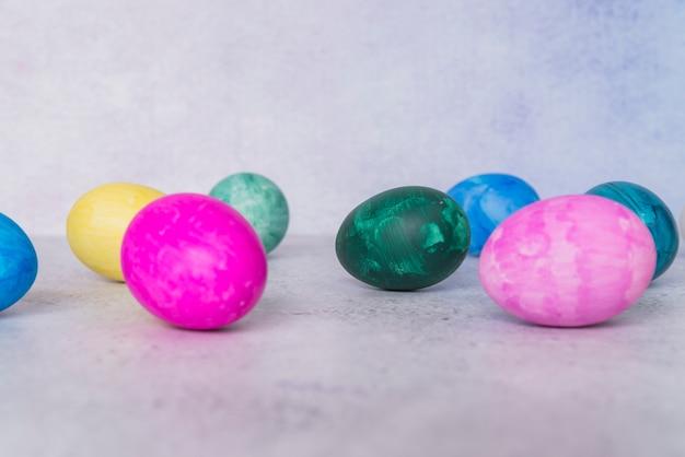 Conjunto de ovos de páscoa brilhantes