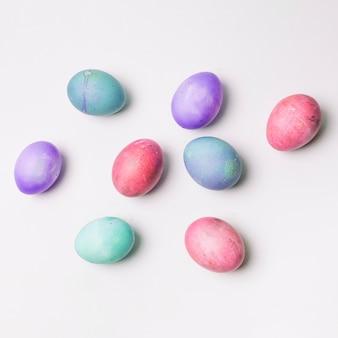 Conjunto de ovos de páscoa coloridos