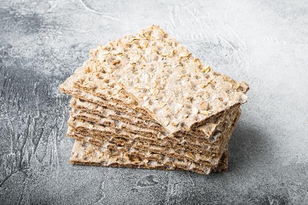 Conjunto de pão de lanche de baixas calorias, mesa de pedra cinza