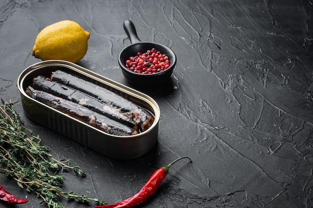 Conjunto de peixe em lata de ferro, com espaço de cópia para o texto