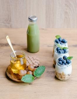 Conjunto de pequeno-almoço saudável