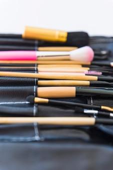 Conjunto de pincéis de maquiagem profissional limpo preto