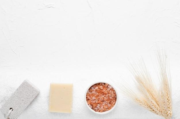 Conjunto de produtos de banho no spa