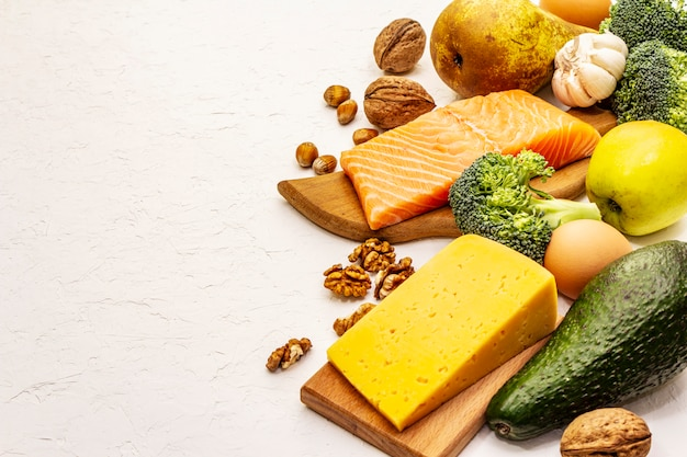 Conjunto de produtos de dieta cetogênica na moda