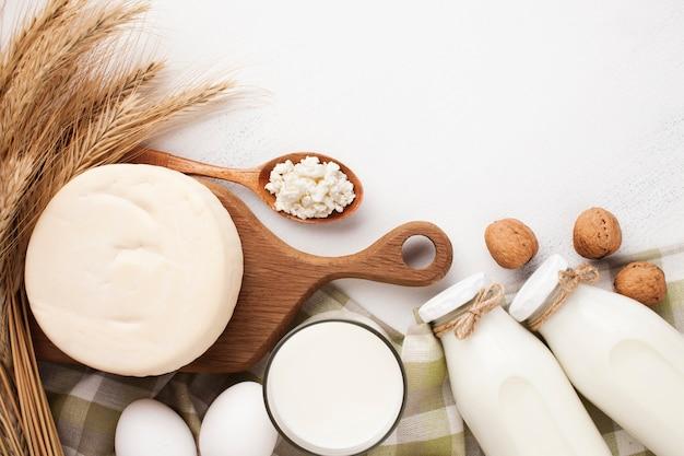 Conjunto de produtos lácteos frescos