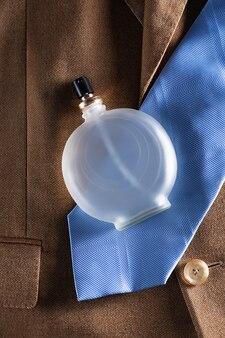Conjunto de roupas clássicas para homens