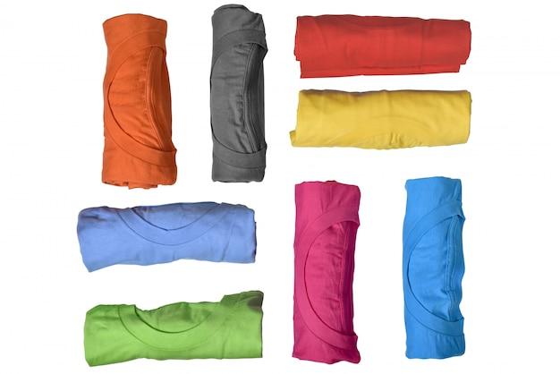 Conjunto de roupas coloridas