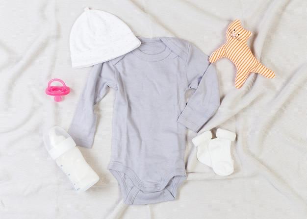 Conjunto de roupas da moda e roupas de crianças para menina