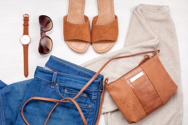 Conjunto de roupas de menina de moda, acessórios