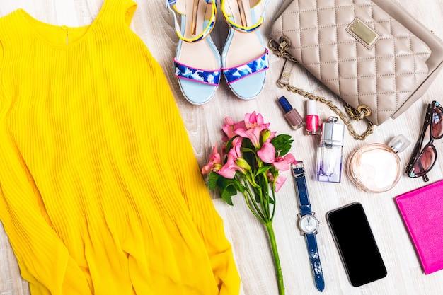 Conjunto de roupas de verão.