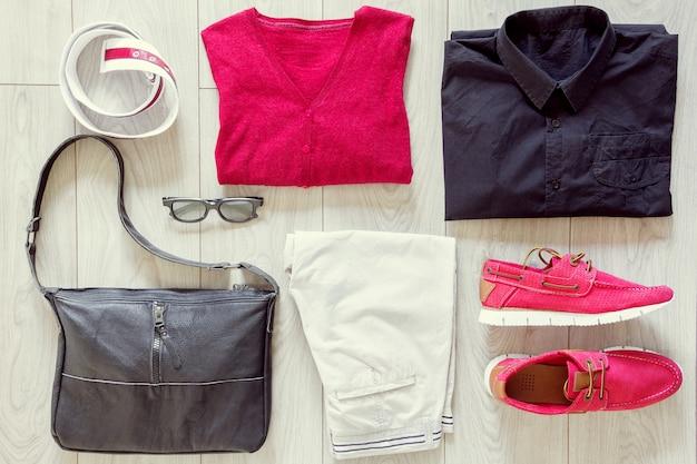 Conjunto de roupas masculinas