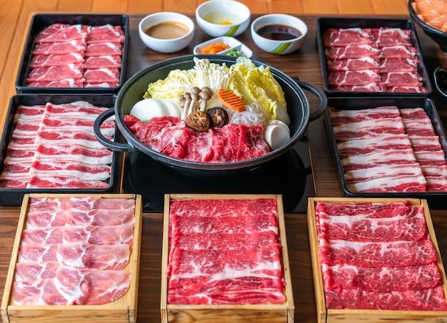 Conjunto de sukiyaki japonês