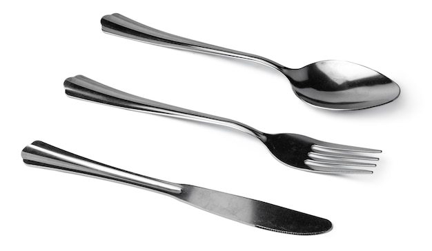 Conjunto de talheres de jantar isolado no fundo branco close-up