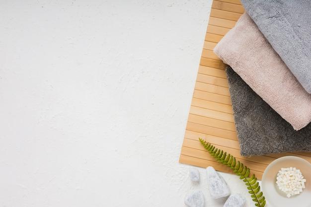 Conjunto de toalhas com espaço de cópia
