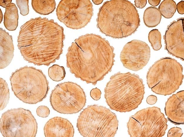 Conjunto de toras de madeira isoladas no fundo branco Foto Premium