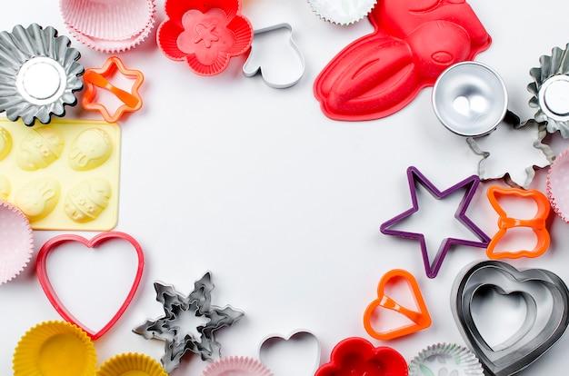 Conjunto de utensílios de cozinha para cozinhar doces em branco