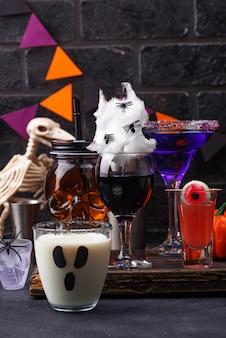 Conjunto de várias bebidas de halloween