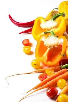 Conjunto de vegetais de vermelhos, laranja e amarelos