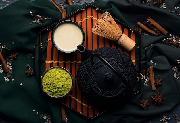 Conjunto de vista superior de chá japonês