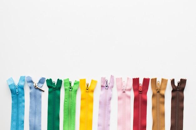 Conjunto de zíperes coloridos para costura e bordado